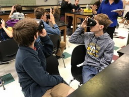 Students Travel the World Thanks to Virtual Reality